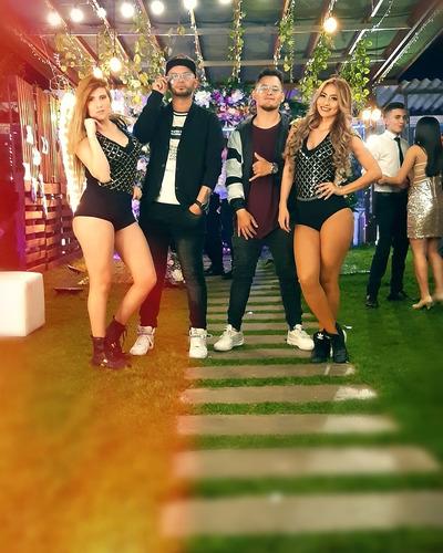 cantantes reggaeton show