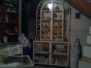 cantina de herreria con cubiertas de vidrio para exteriores
