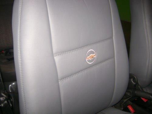 capa automotiva de couro courvin para prisma