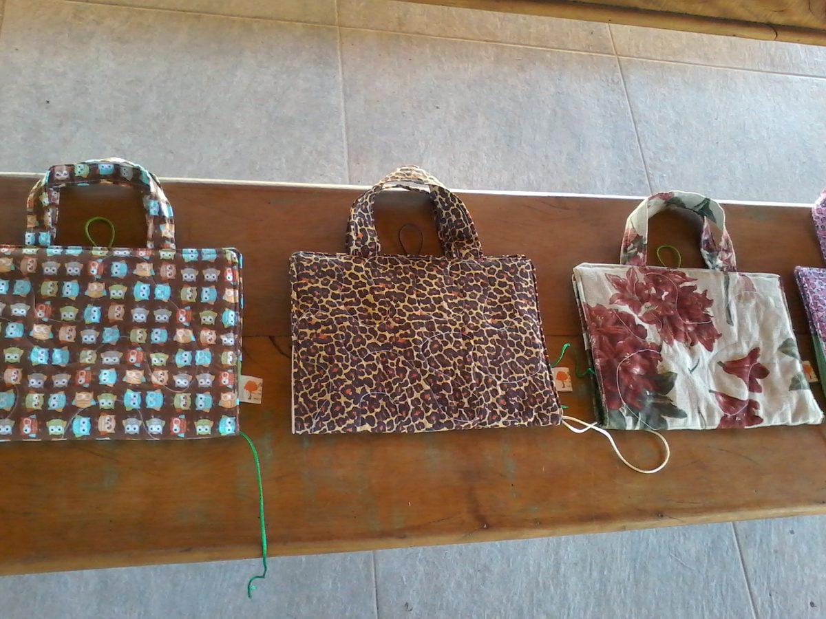 Bolsa De Tecido Para Carregar Livros : Capa bolsa para livro b?blia caderno ou agenda de tecido