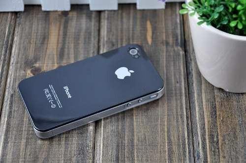99decef47 Capa Case Celular iPhone 4 4s Branca Ou Preta + Película - R$ 24,89 ...