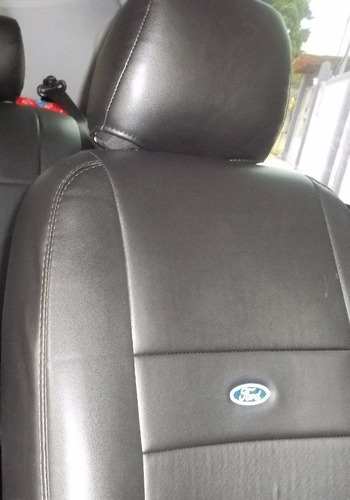 capa de  couro  automotivos preta com logo gm p/ corsa agile