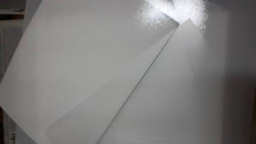 capa de encadernação na cor branca