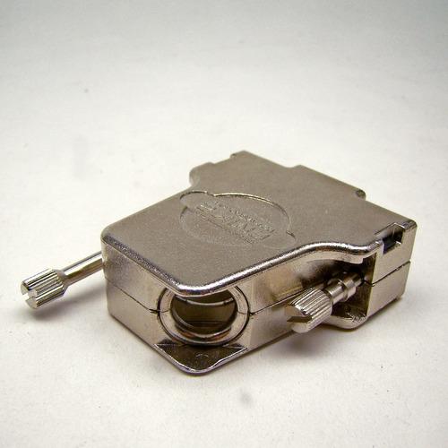 capa metálica especial p/ conector db 15 e hdb60 45 º g