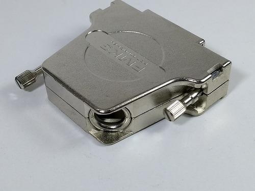 capa metálica especial p/ conector db25 25 pinos 45°