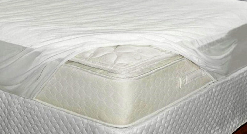 capa protetor de  colchão impermeável pvc casal  elastico 3p