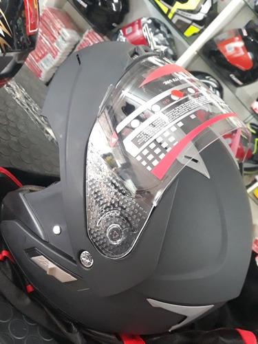 capacete marca mdb escamutiavel
