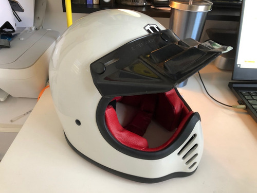 capacete motto bobber cafe racer