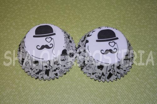 *capacillos blancos caballero mostacho papa cupcake fondant