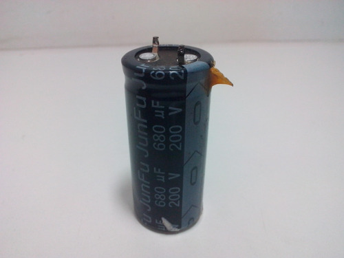 capacitor eletrolítico 200v 680uf 85° 22x50mm