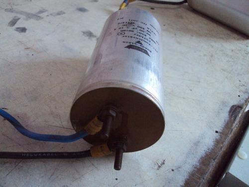 capacitor eletrolitico 90.00 uf x 850 v dc usado