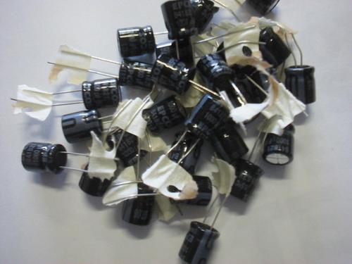 capacitor placa mãe 1500-2200-3300 x 6.3v 105ºc  1000 x 6.3v