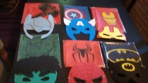 capas de superheroes con antifaces