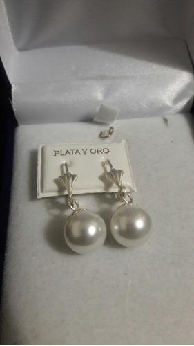 caravanas en plata y perlas
