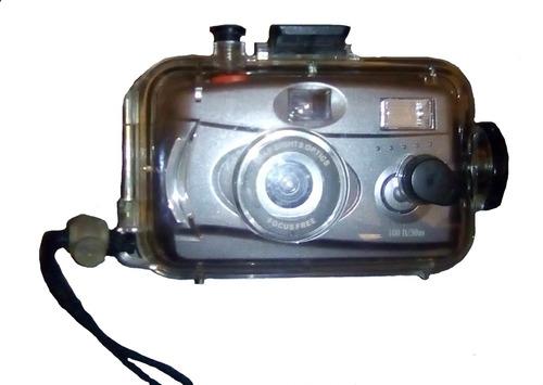 carcasa para cámara submarina y cámara analogica de 35 mm