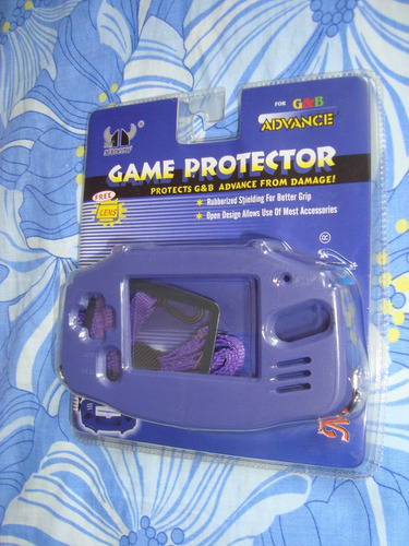 carcasa protectora para el game boy advance.