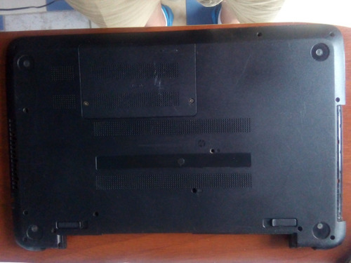 carcaza inferior  laptop hp 15. usado f039wm