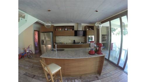 cardenal del monte, casa estilo minimalista