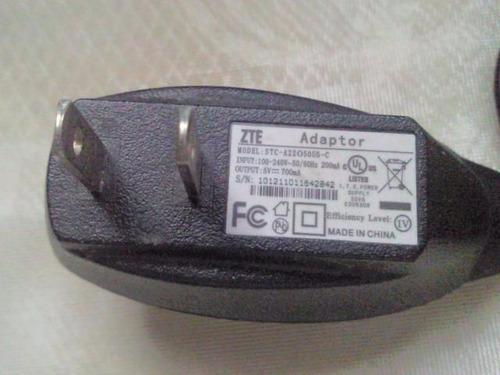 cargador-adaptador zte. 5 v  700ma.