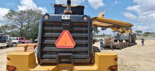 cargador caterpillar 938k