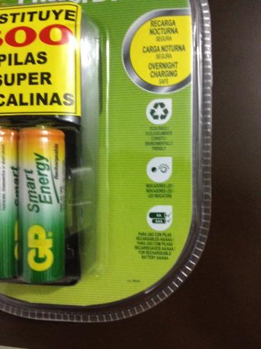 cargador de batería gp powerbank. incluye 2 aa /1000mah