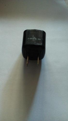cargador de viaje  alcatel model s004acu0500055. usado jcd 4