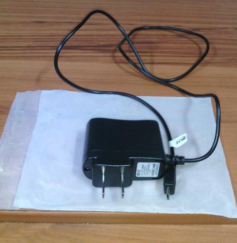 cargador para celular blu original usado