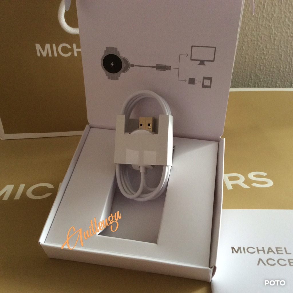 58c93dc3694 cargador para reloj michael kors smartwatch · cargador para smartwatch.  Cargando zoom.