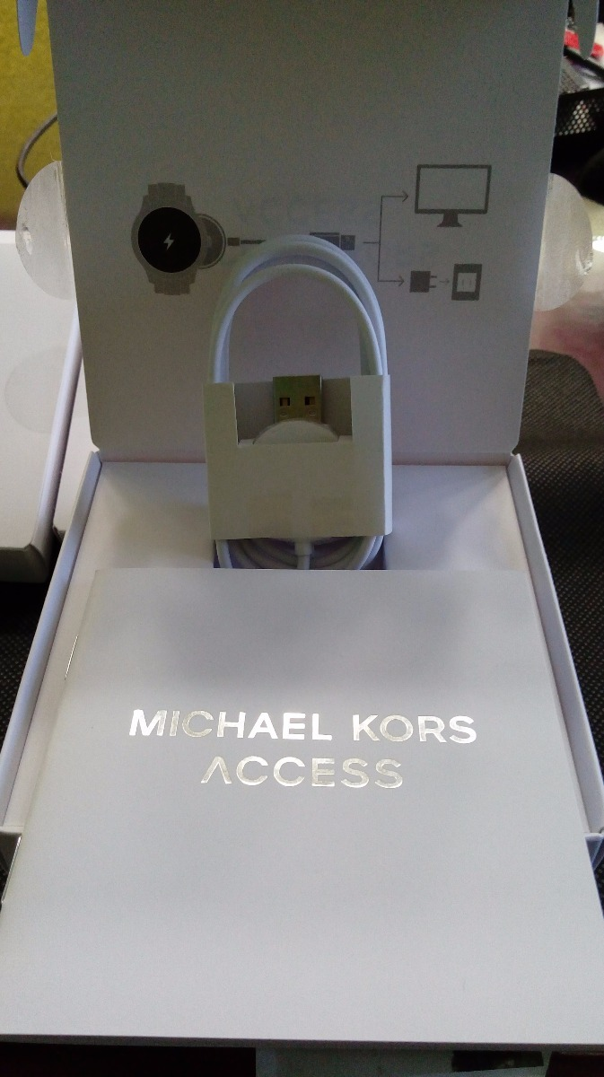 cc702b8efac Cargador Para Smartwatch Michael Kors Access Mkt0001 - $ 1,150.00 en ...