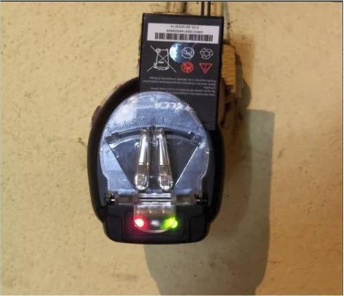 cargador universal para baterías de teléfonos, cámaras otros