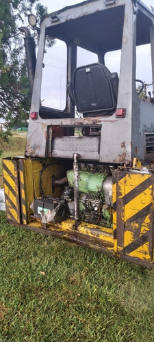 cargadora tortone con motor deutz 90hp con accesorios.
