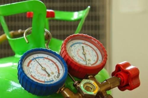 cargas recarga de gas aire acondicionado frio calor r410 r22