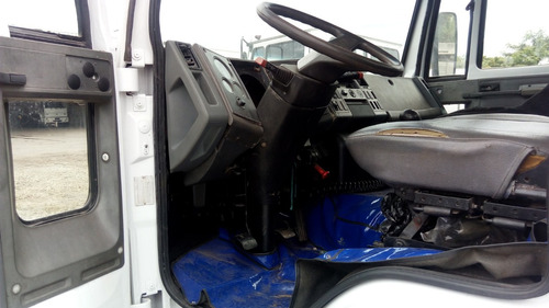 cargo 1217 - 4x2 - ano/mod 2002/02 - branco - chassis