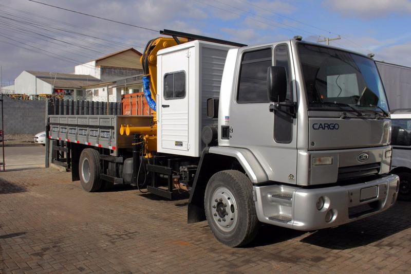 cargo 1317 11/11 c/ masal 12000 carroc. e cabine suplementar