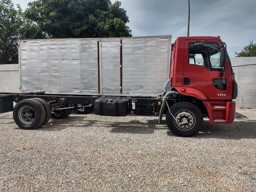 cargo 1717/11/12 vermelho toco no chassis