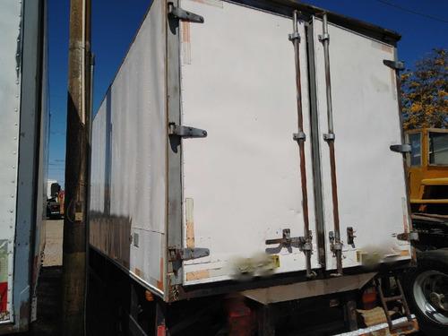 cargo 712/10/11 prata com baú frigorifico