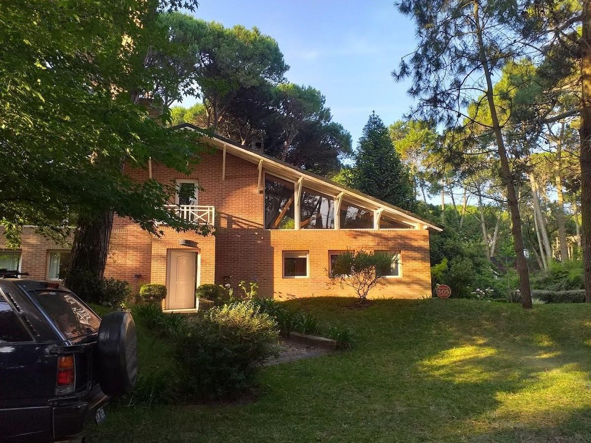 carilo alquilo  casa soñada en el bosque para 8 personas !!!