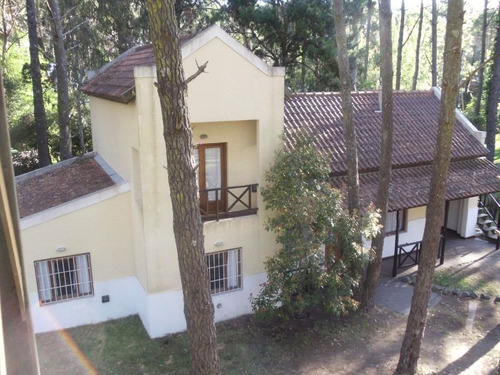 cariló,casa centro ,ideal
