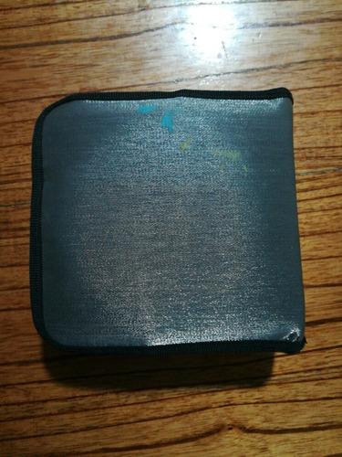 carpetas porta cds/dvds gris con tachas