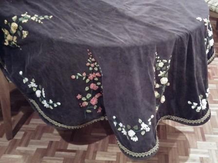 carpetón-mantel para mesa redonda