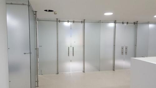 carpinteria en aluminio / acero y vidrio