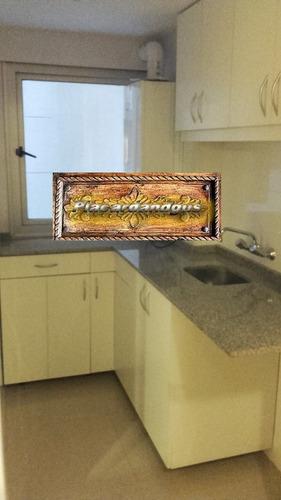 carpintero especialista en placares , vestidores y cocinas