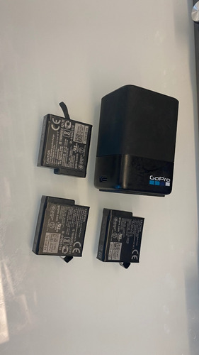 carregador dual + 03 baterias p/ gopro hero 5/6/7 black