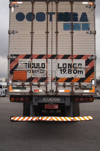 carreta bau 15 m, 28 pal, randon, facchini, ano 2001, 02, 04