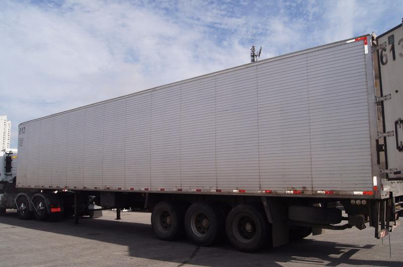 carreta bau frigorifico recrusul 03 eixo aluminio