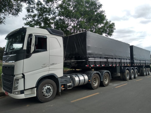 carreta e caminhão