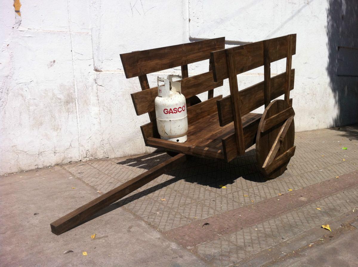 Carreta grande decoracion jard n restaurant fondas for Carretas de madera para jardin