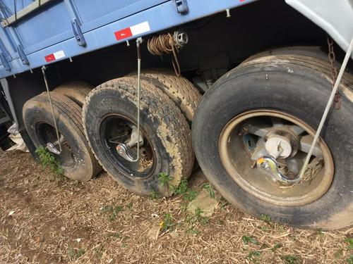 carreta guerra graneleira ano 2001 com pneu
