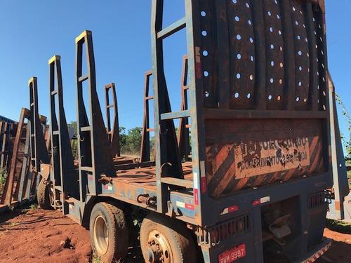 carreta julieta transporte de madeira de 3 eixos ano 2007.