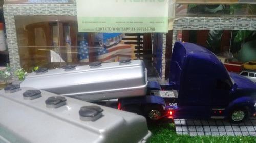 carreta kenworth t 700 1/32 bi-trem customizada ùnica
